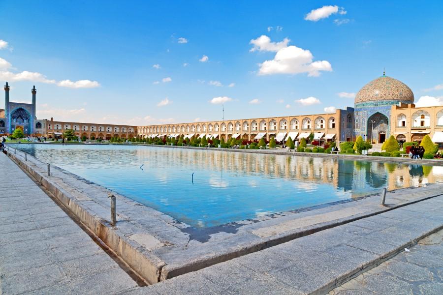 Nashgh-e-jahan-square-Isfahan