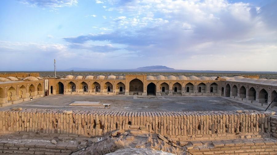 Deyre Gachin Caravanserai Qom Iran - Exotigo - 1