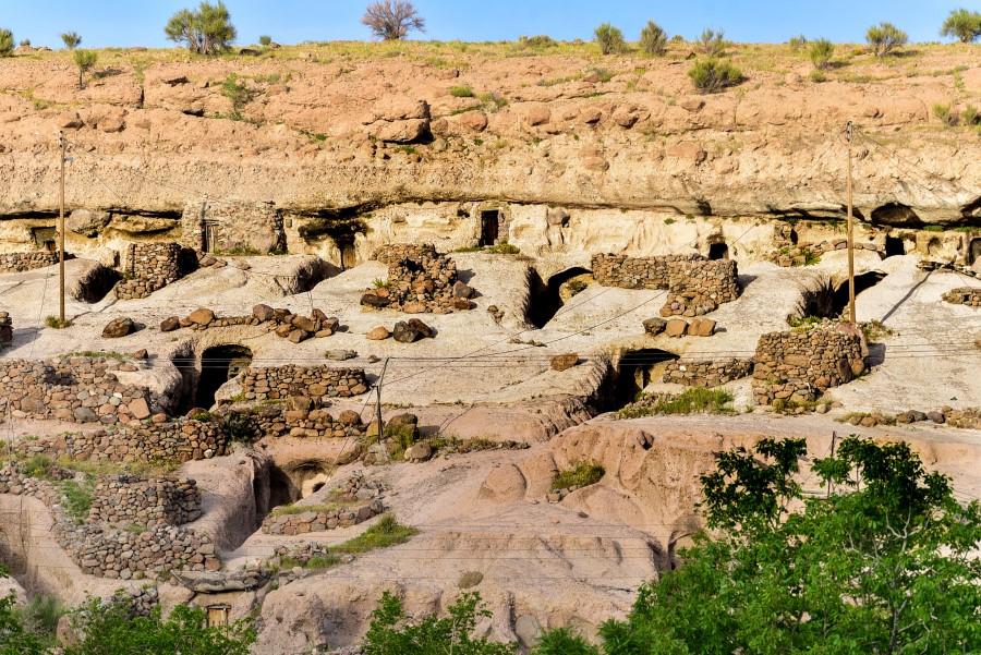 Meymand-Rocky-village